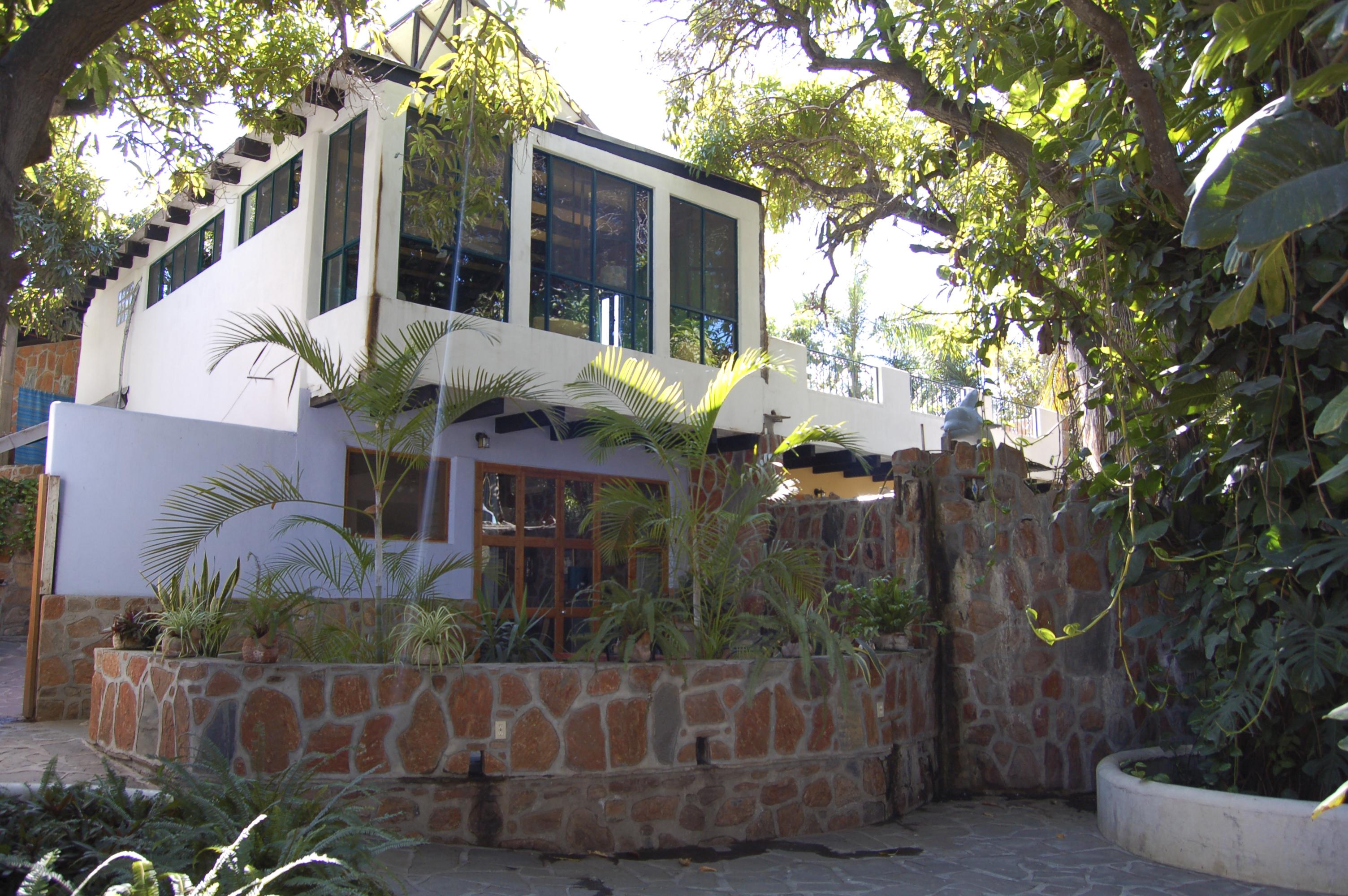 Casa Bentley, Todos Santos