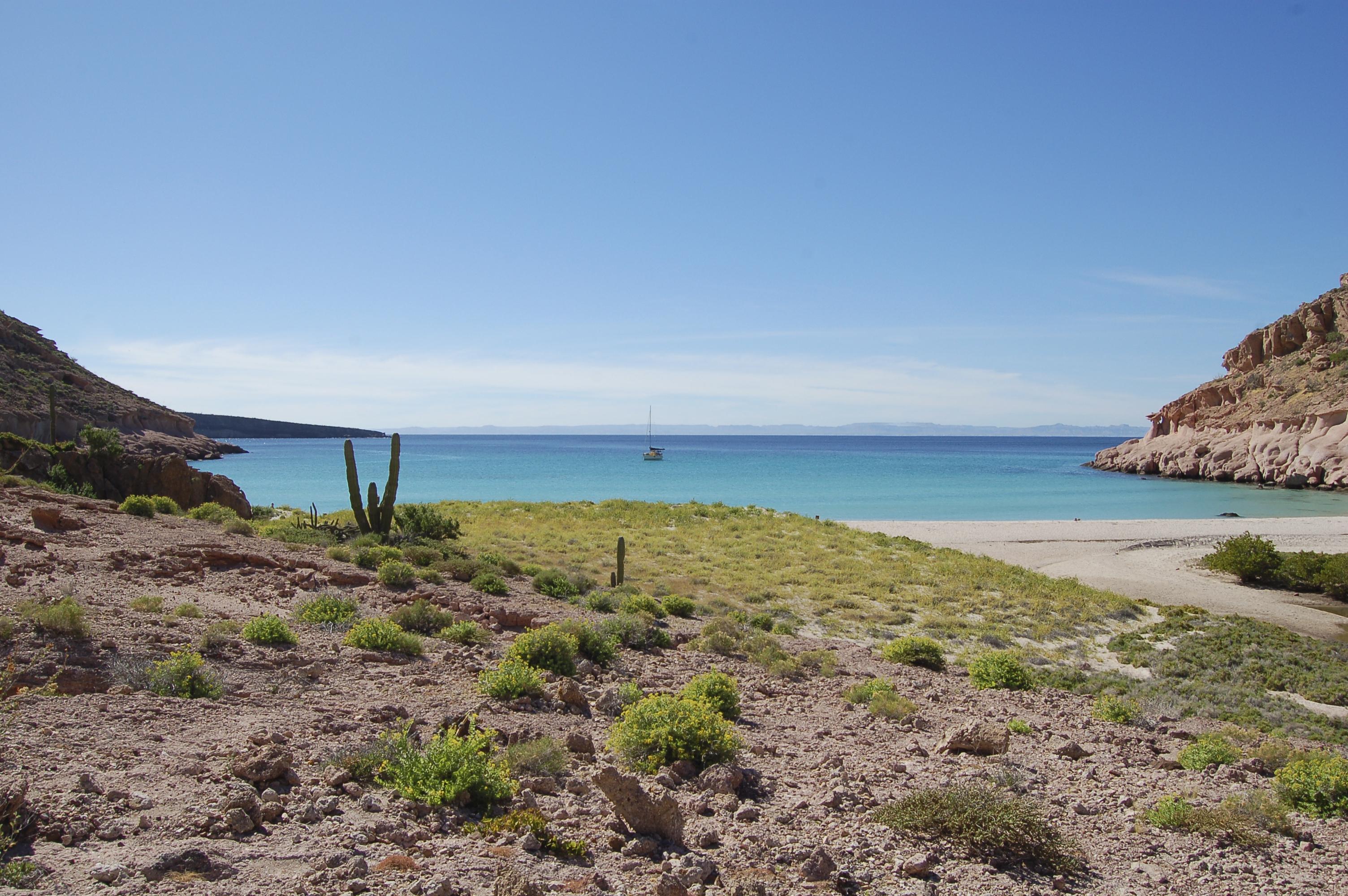 Bahia Ensenada Grande, Isla Partida, La Paz