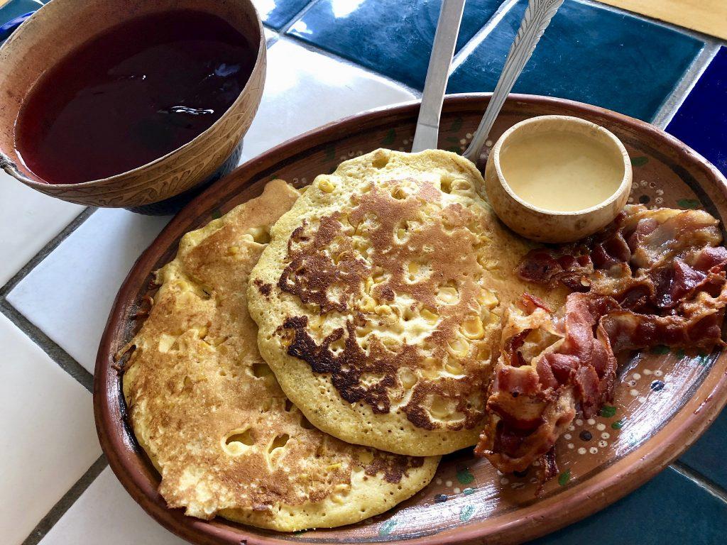 Elote pancakes, Alicia León, Restaurante Autóctanos Malinalli, Tecate, Baja California, Mexico